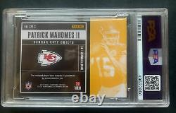 2017 Contenders Patrick Mahomes RC Swatch Jersey Ticket Pop 30 Green PSA 9 Mint
