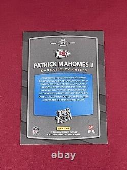 2017 Panini Donruss Patrick Mahomes Rated Rookie Card no. 327